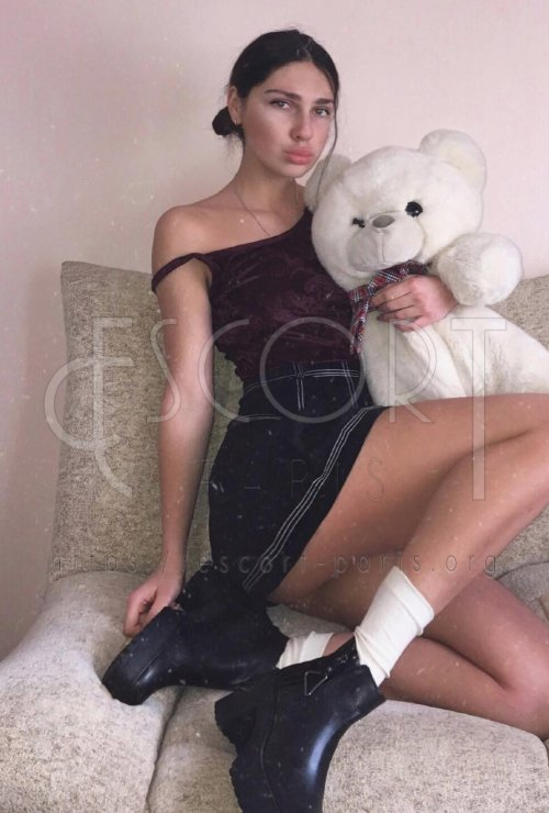 Evelina escort Blond haired Russian girl with Slim body
