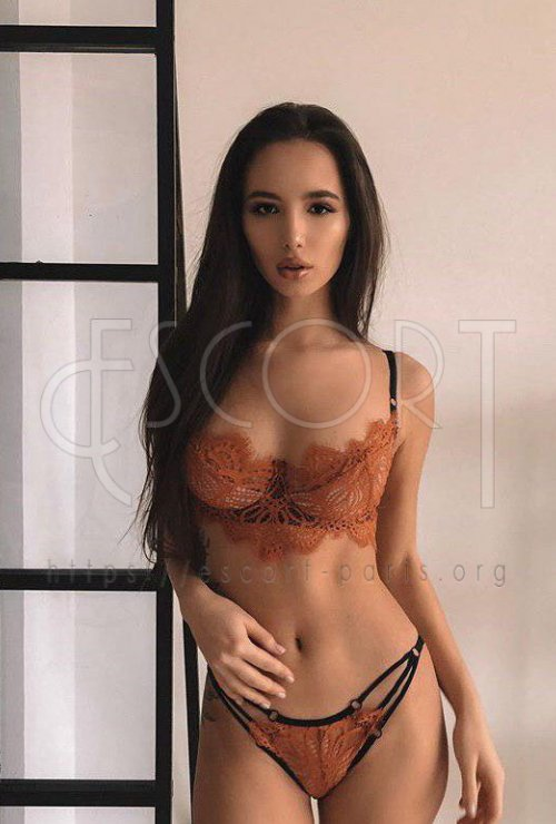 Nika escort Brown haired Russian girl with Slender body
